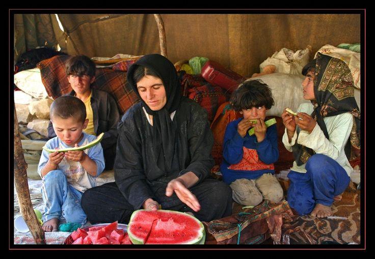 Nomaden gezin in tent