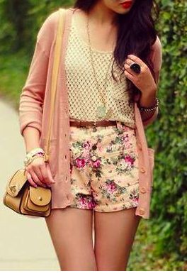 I really like those shorts! the whole outfit is cutee
