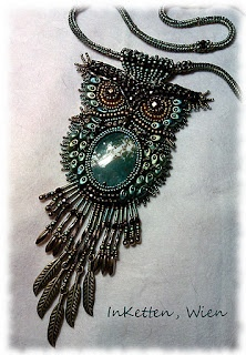 Seriously--this bead embroiderer is awesomely talented  myblog-inketten-schmuckobjekte.blogspot.com