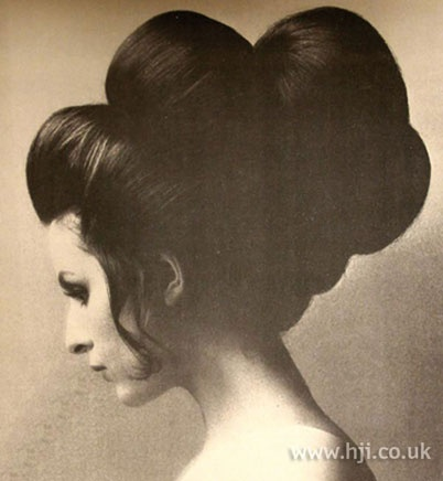 www hair style images com 91 best images about 1960 s on large curls 4930 | a00498ec7db377a2ba4930a804c0d54b volume hairstyles retro hairstyles