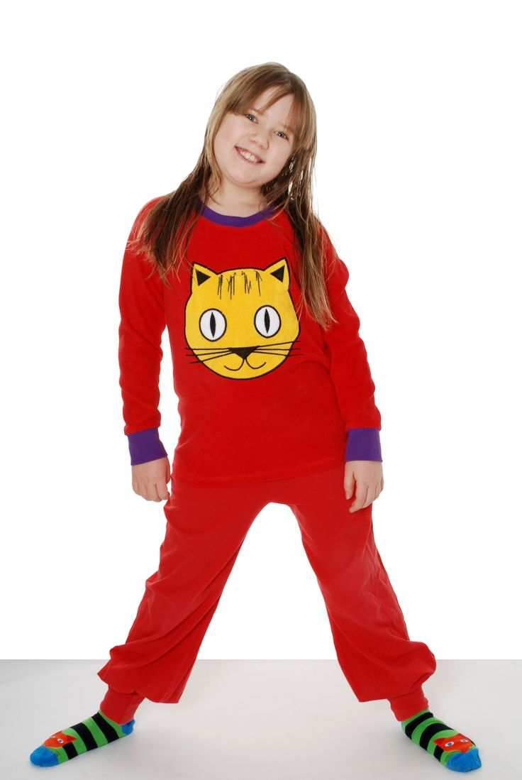 Red Cat Terry Raglan Shirt  by DUNS Sweden. Made from 100% GOTS Certified Organic cotton. Available at Modern Rascals.