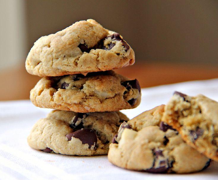 Κάθε Σάββατο και Κυριακή στο JOY It's inside you στις 14:50 στο Mega, ο Διονύσης Αλέρτας μας παρουσιάζει τα πιο γευστικά γλυκά.