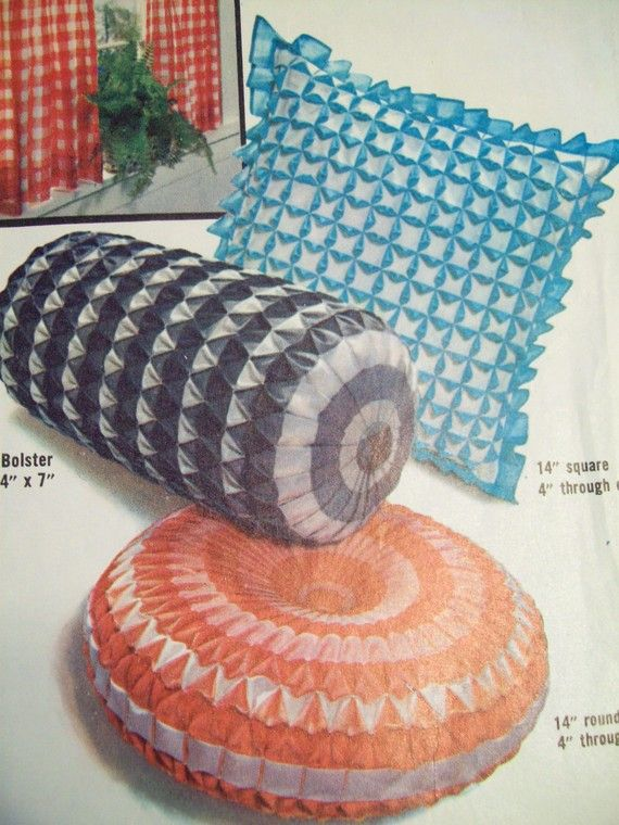 gingham pillow stitchery | Sewing Pattern - Vintage Gingham Smocked Pillows with Origami Patterns . & 12 best Gingham Smoked Pillow Stitchery images on Pinterest ... pillowsntoast.com