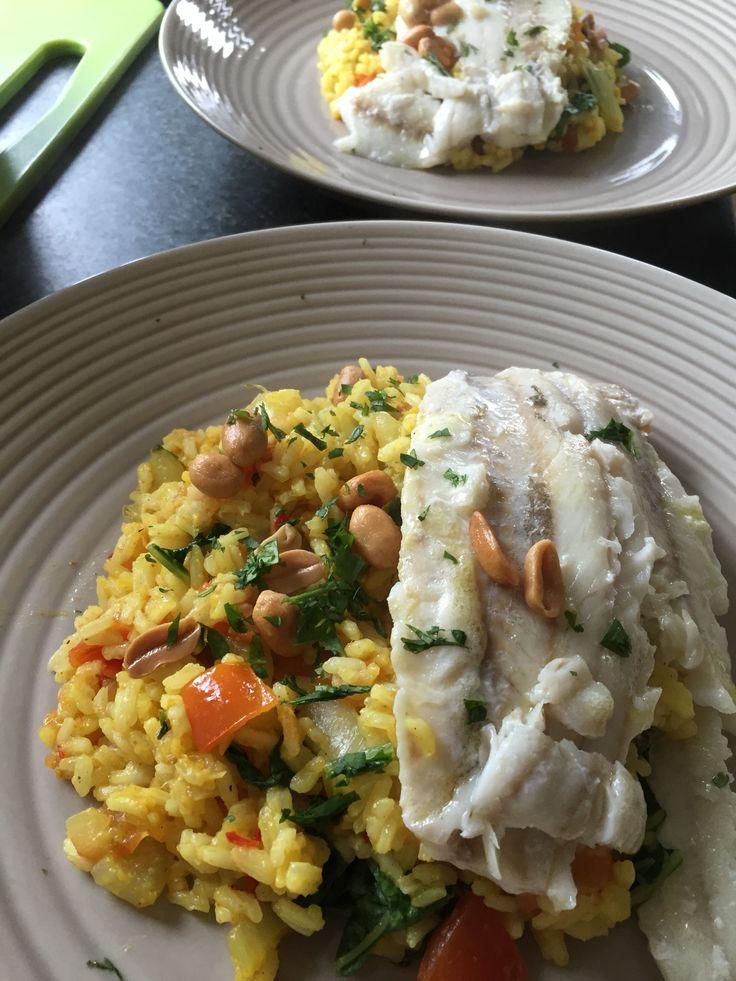 Wijtingfilet met paksoi, tomaat en gebakken rijst Een geurig rijstgerecht met knoflook, gember en rode peper #HelloFresh