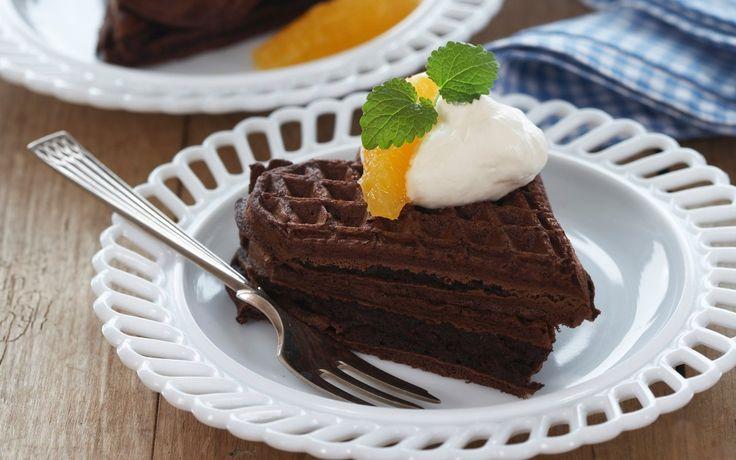 Sjokolade og vafler er en kombinasjon som sjelden slår feil. Is, vispet kremfl…
