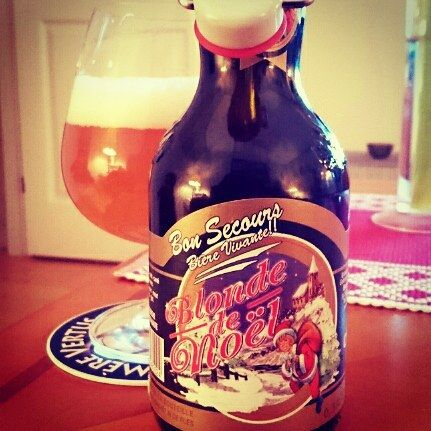 Bon Secours Biére Vivante!  Blonde de Noël from Brasserie Caulier abv 10% A blonde christmasbeer unfiltered with a lot of yeast in the nose. The taste is sweet with a lot of wheat bun and yeast.  Well..... Could be better.  #caulier #blonde #christmas #belgium #belgianbeer #beer #bier #Biére #beer #christmasbeer #cerveza