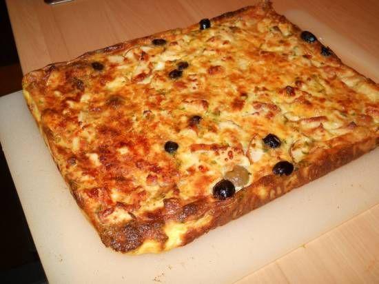 Hartige taart met kip, mozzarella en olijven