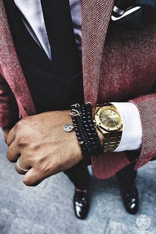 Relógio Dourado, Relógio Masculino. Macho Moda - Blog de Moda Masculina: Relógio Dourado, Dicas para Usar e Onde Encontrar! Moda Masculina, Moda para Homens, Roupa de Homem, Acessórios Masculinos, Blazer Vinho Masculino