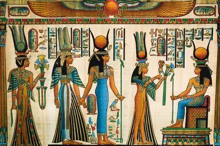 Moda femminile nell'antico Egitto: vestiti colorati, plissettati e leggeri