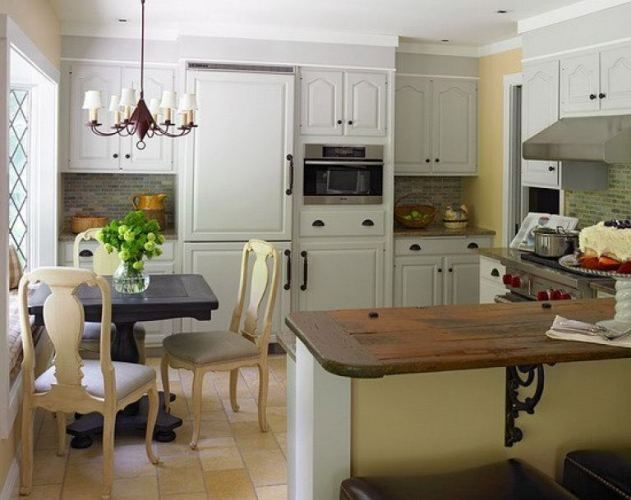 Small kitchen design....refrigerator matches cabinetry by Vedere - Acorn Cottage   Acorn Cottage Interiors