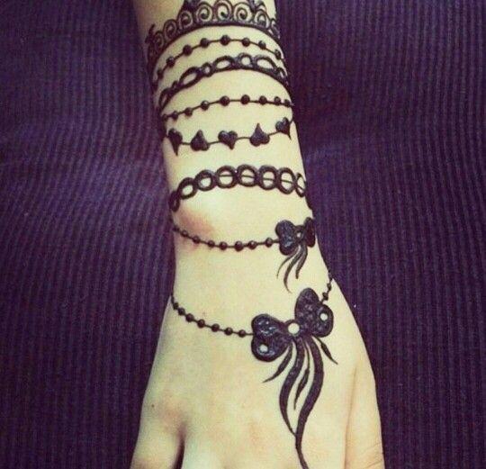 Henna arm candy