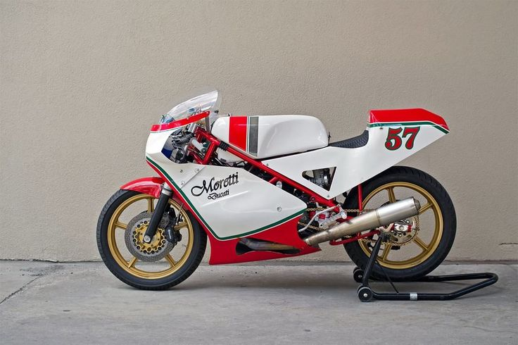 Ducati Cafe Racer Moretti - Town Moto #motorcycles #caferacer #motos | caferacerpasion.com