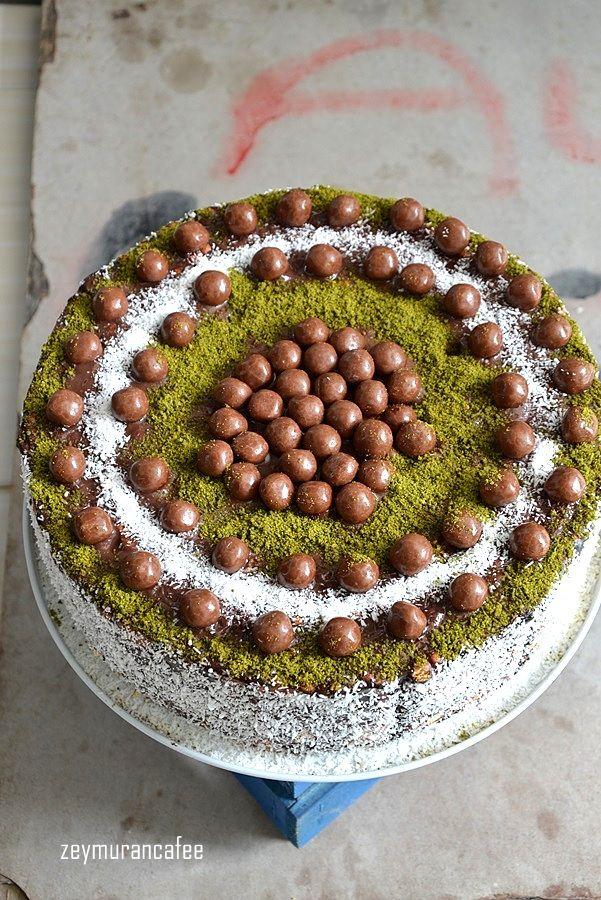 Bisküvili kolay pasta tarifi bisküvi ve puding ile yapılabilecek iki renkli nefis bir pasta. Bisküvi pasta çeşitleri oldukça fazla olmakla birlikte bu tarifimiz yuvarlak ...