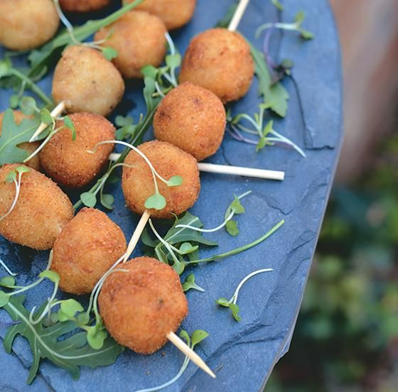 Spoil guests with this delicious bacon croquettes on skewers