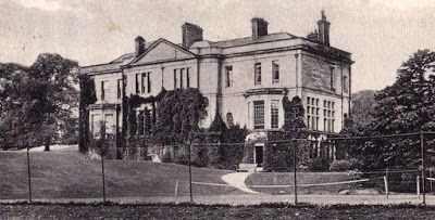 Tour Scotland Photographs: Old photograph of Dougalstoun House by Milngavie, Scotland. Dougalstoun, now demolished, early came into the family of Grahams, allied to the ancestors of the Montrose family, and at the beginning of the 19th century was owned by Henry Glassford