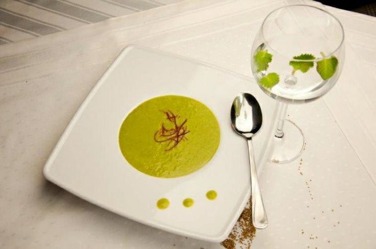 Krem z zielonego groszku z wasabi - kuchnia Manor House