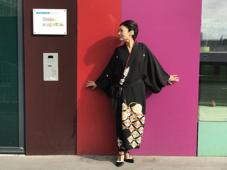 着流しコートをパリの街でドレス風に着こなしてみた。