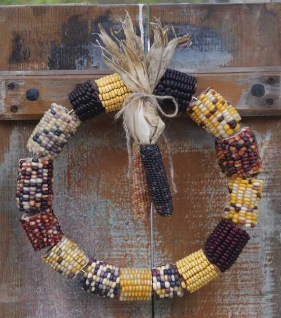 www.digsdigs.com 22-awesome-fall-wreaths-with-corn-and-corn-husk