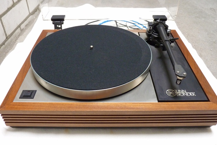 Linn Sondek LP-12 (my former digitizing table)