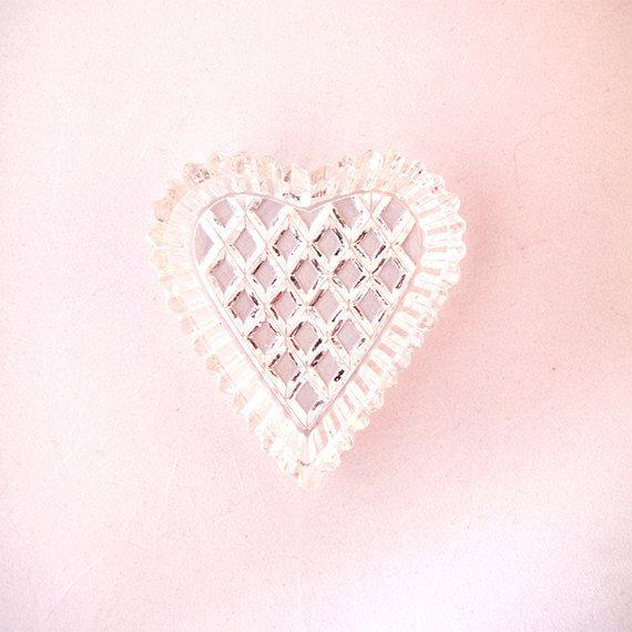 Crystal heart ash tray