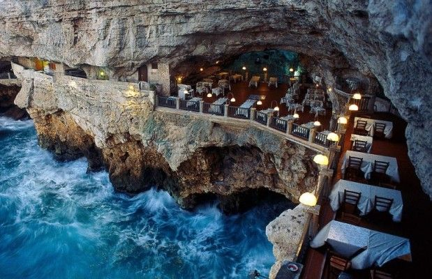 15 restaurants incroyables à travers le monde - (In French, 15 incredible restaurants around the world)