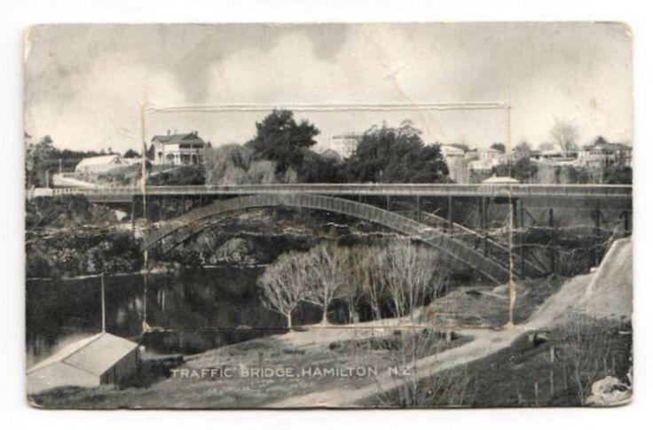 Pocket Novelty Card of the Traffic Bridge Hamilton. - 45678 - Postcard - Postcards Bridges - Postcards By Theme - EASTAMPS