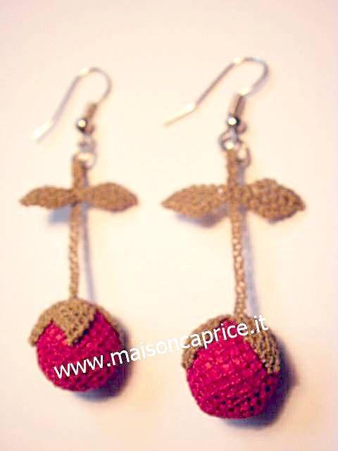 orecchini in seta fatti a mano ad ago, silk earrings € 24,00