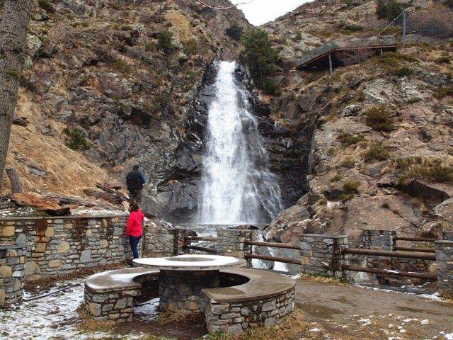 SOM DE PÍCNIC: Zona de pícnic (berenador) Cascada de les Moles, Canillo, Parròquia de Canillo, Andorra