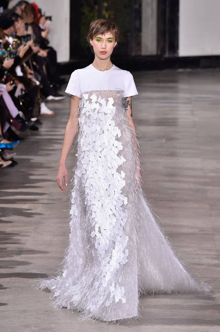 43 Gorgeous Must See Dresses From Paris Couture Fashion Week 2019 Fashion Week 2019 Paris Fashion Week 2019 Sculptural Fashion