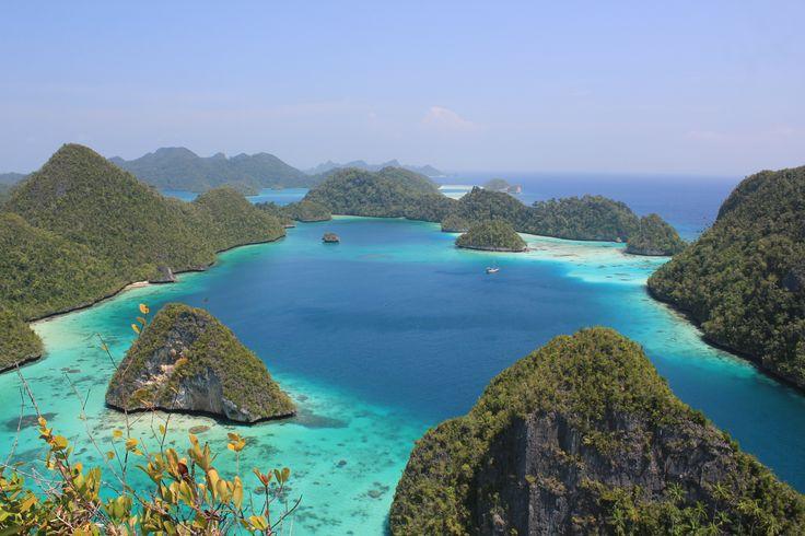 Wayag - Hidden Paradise in West Papua, Indonesia #Oktober2014