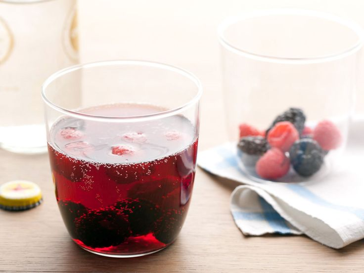 Red Wine Spritzers recipe from Rachael Ray via Food Network