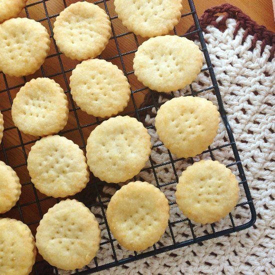 Once you try these homemade Ritz crackers, you&#39…