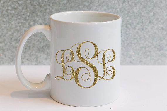 Ehi, ho trovato questa fantastica inserzione di Etsy su https://www.etsy.com/it/listing/229825655/glitter-monogram-mug-tazza-di-oro