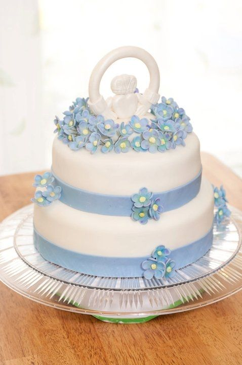 1000 Ideas About Irish Wedding Cakes On Pinterest