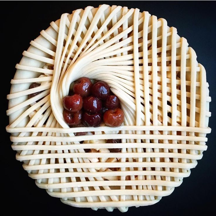 theartofplating Don't worry, we're sitting here crying over this incredible pie crust too! The start of a quince, apple, and cherry pie by @lokokitchen