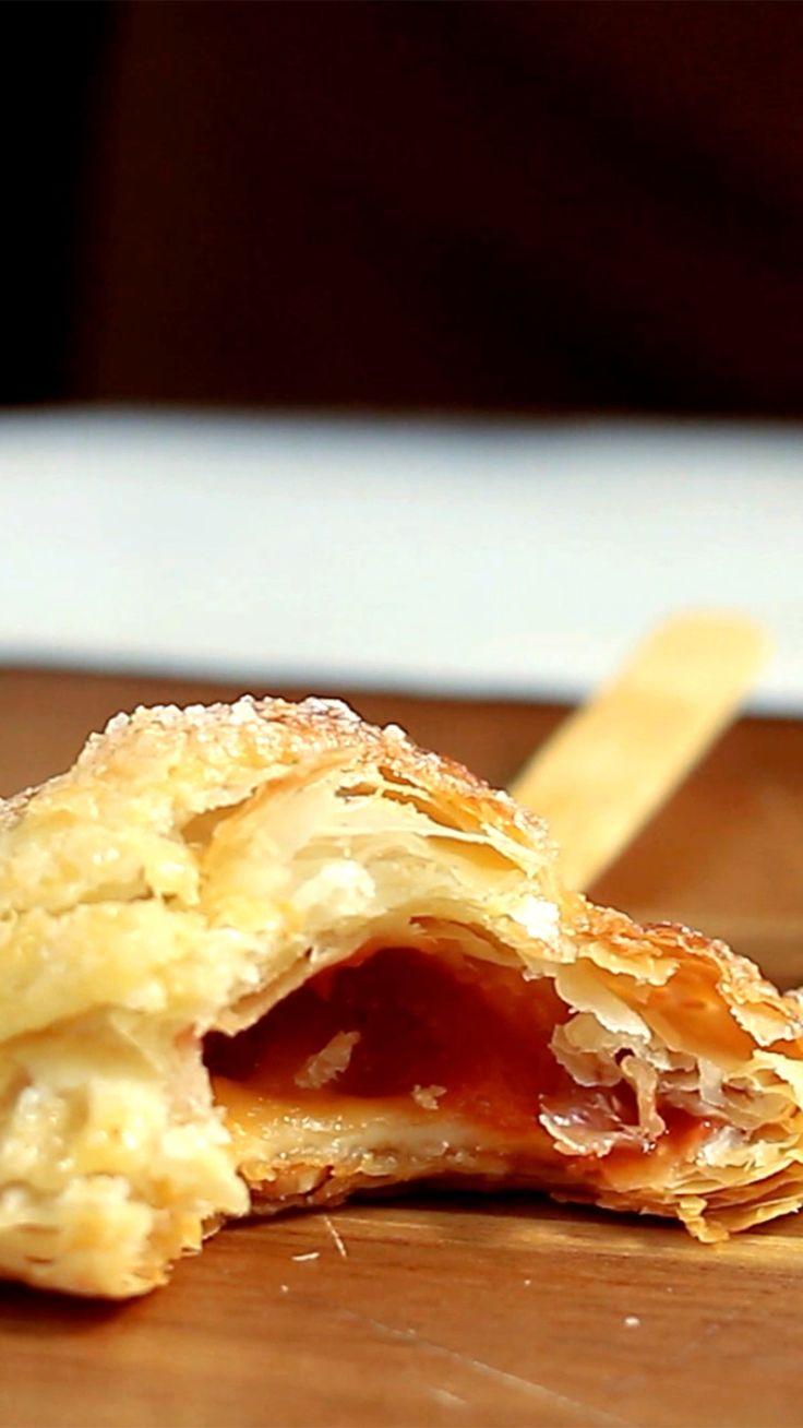Deliciosa e prática tortinha de romeu e julieta no palito.