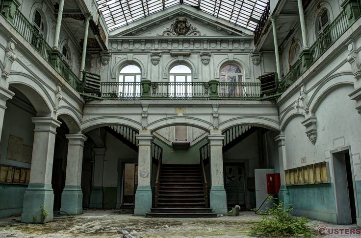 girls, go to class! #urbex #decay #beautiful #amazing #place #photography #custers