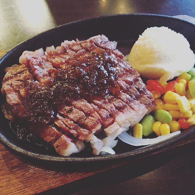 近江牛ステーキ! めっちゃ柔らかった! omi beef! so tender❤️ #beef #steak #omi #omibeef #shiga #kansai #japan #日本 #関西 #滋賀 #ステーキ #近江 #近江牛 #foodie #foodie #foodporn #foodstagram #meat #肉