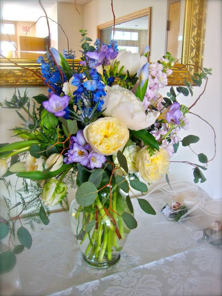 Foyer Table Arrangements : Best images about church entryway on pinterest spring
