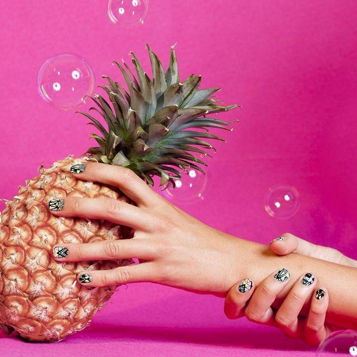 Yaz tırnakları!  / Summer nails!  #shopigo #shopigono17 #alfak #nailart #nailsticker #nails #shoponline #shopnow #buyonline