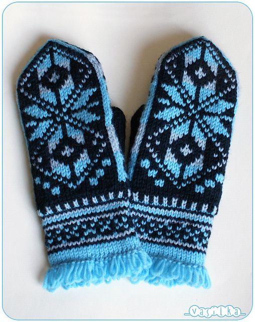 mittens with Norwegian snowflake by _vasilka_, via Flickr