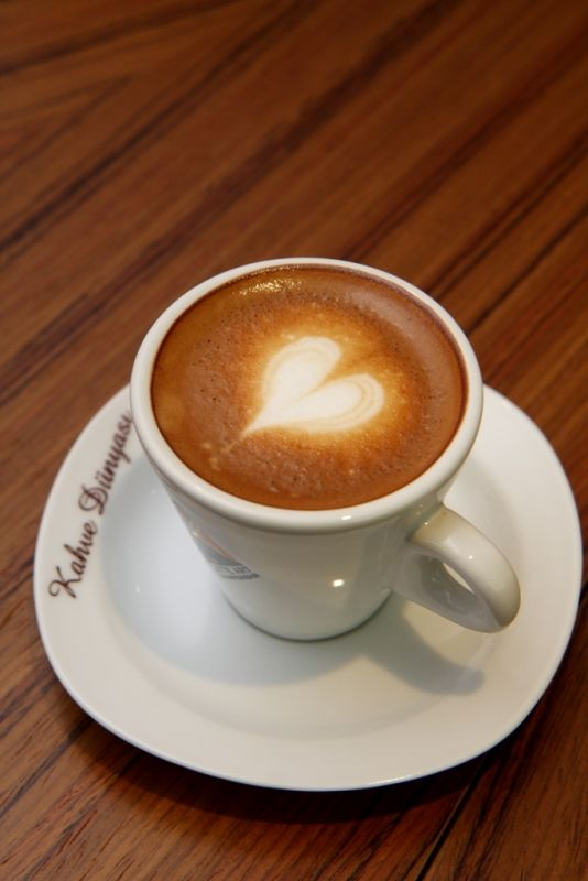 #BeylikdüzüMigros AVM Kahve Dünyası'ndan herkese sevgi ve mutluluk dolu bir hafta dileriz! :)  #bmigrosavm #coffee #heart #happy