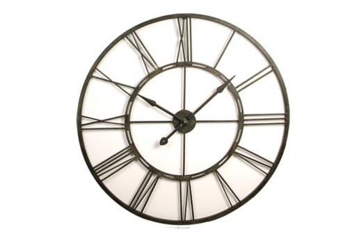 Every house needs a beautiful clock!! My mum has this exact piece and I love it!! #rustic #industrial #superamartpin2win