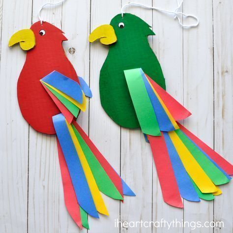 Colorful and fun twirling parrot craft for kids. Great bird craft for a jungle theme unit, fun kids crafts and jungle crafts for kids. #craftsforkids #kidscrafts
