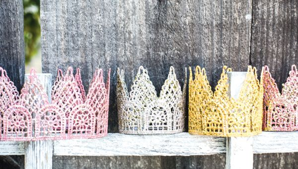 DIY Tutorial: Glitter Lace Crowns are perfect for a princess party craft, outfit or favor. Amy Liu Bissett breaks it down in 4 easy steps!