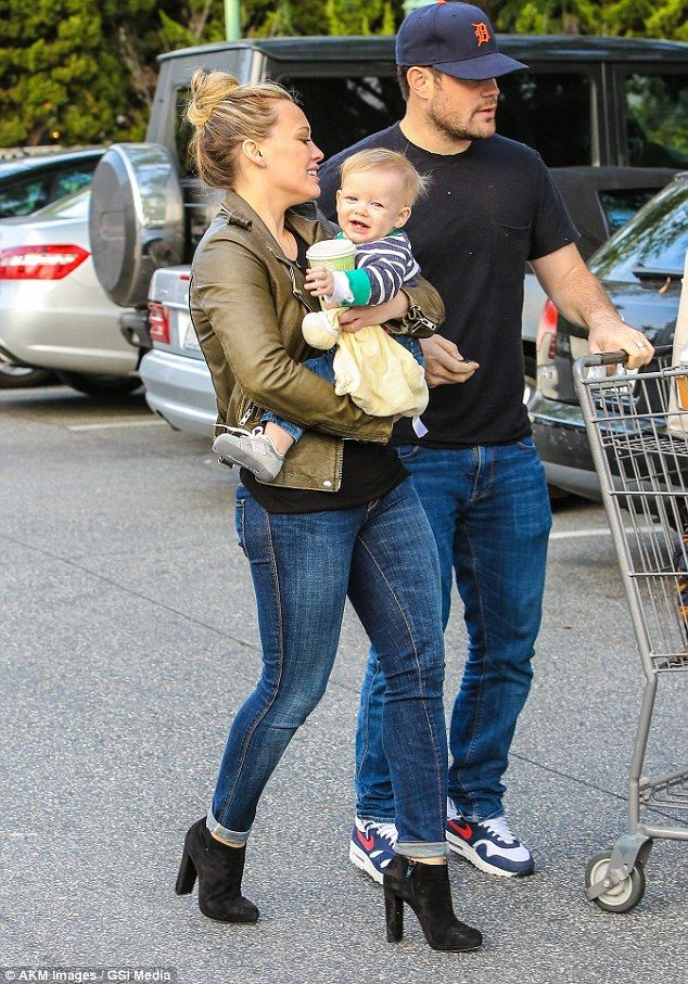 mike comrie and hilary duff baby | Hilary Duff showers baby boy Luca with affection... on trip to Bristol ...