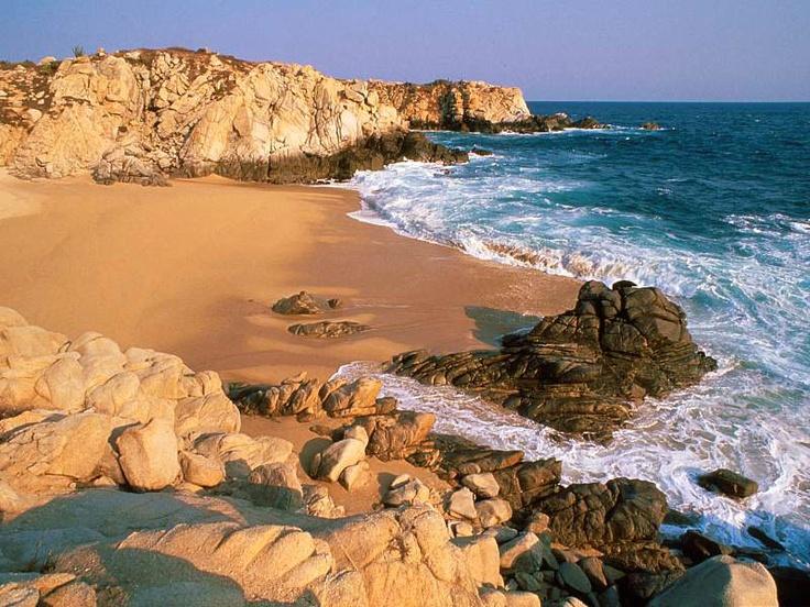 Disfruta de las 9 bahías y las 36 playas de #Huatulco, uno de los sitios más paradisíacos de #Mexico.