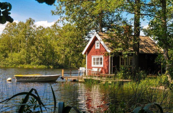 Ferienhaus Villa Kunterbunt 19 Am See Mit Boot Sauna Urlaub Mit Hund Am See In 2020 Cottage Exterior Holiday Home Country Cottage Decor