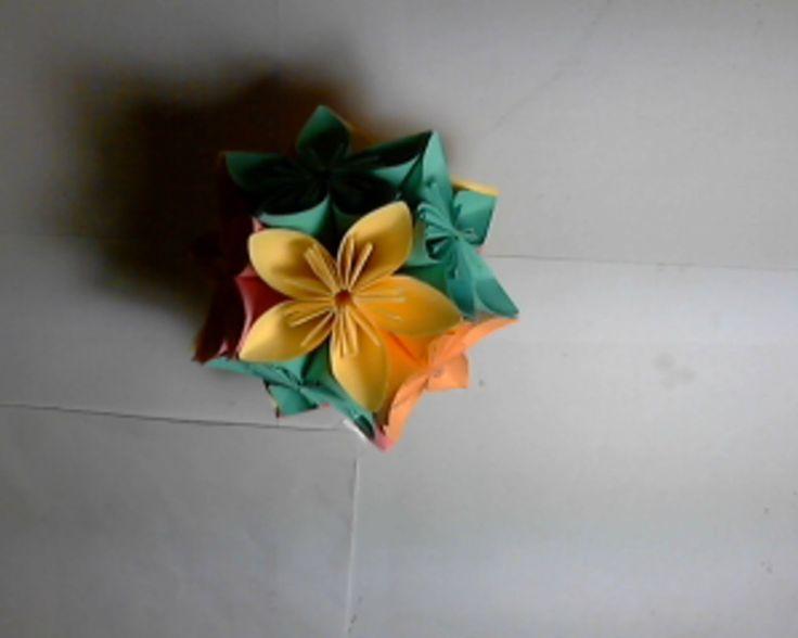 Origami - kula z kwiatków, bombka na choinkę