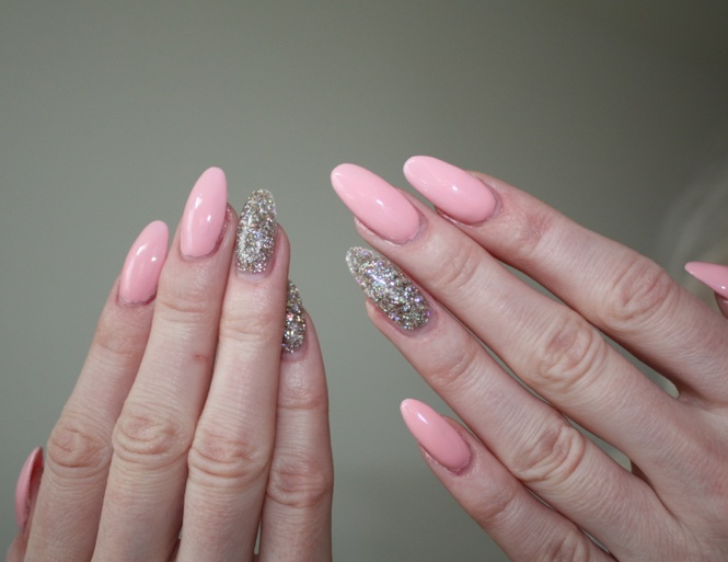 Pink/glitter stiletto nails | NEGLUR | Pinterest | Stiletto Nails ...